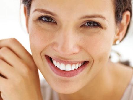 Эффективное отбеливание зубов с помощью капы и геля