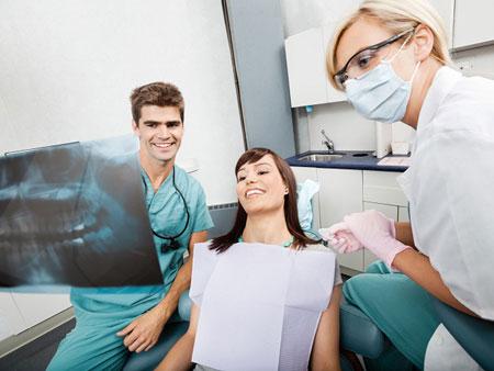 изучение панорамного снимка зубов