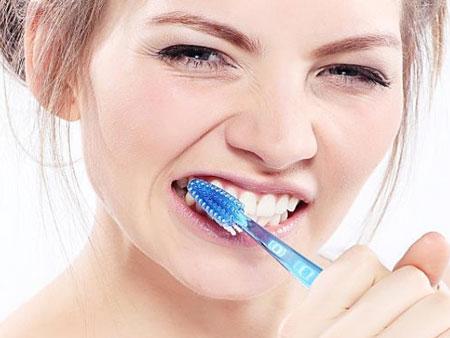 гигиена зубов после установки виниров остается стандартной