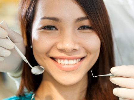 Когда и зачем нужно проводить санацию полости рта?