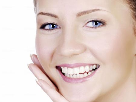 белые зубы после отбеливания лимоном
