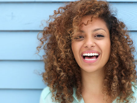 Все плюсы и минусы эндоотбеливания зубов