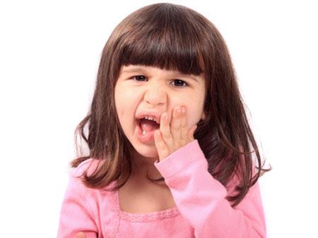 ребенок после скрежета зубами
