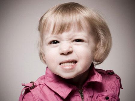 Ребенок днем скрежет зубами