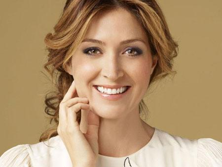 улыбка женщины после отбеливания