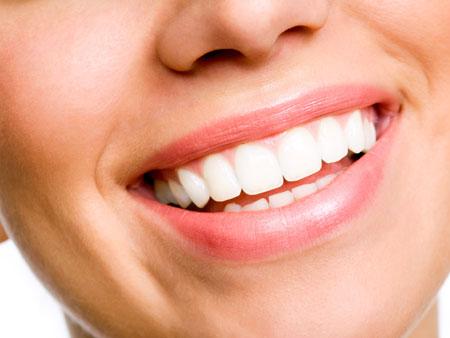 Коррекция передних зубов винирами и коронками