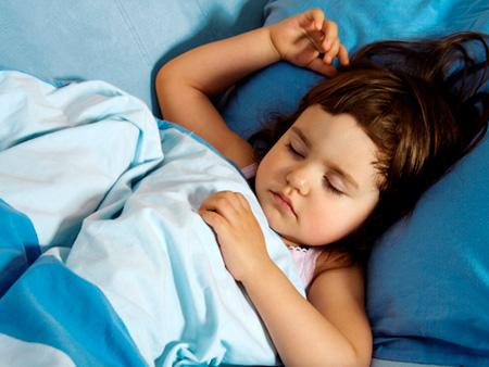 ребенок может скрипеть зубами во сне