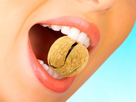 причина трещин и скола зубов